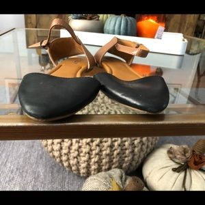 Lucky Brand Shoes - Lucky Brand pointy flats size 8